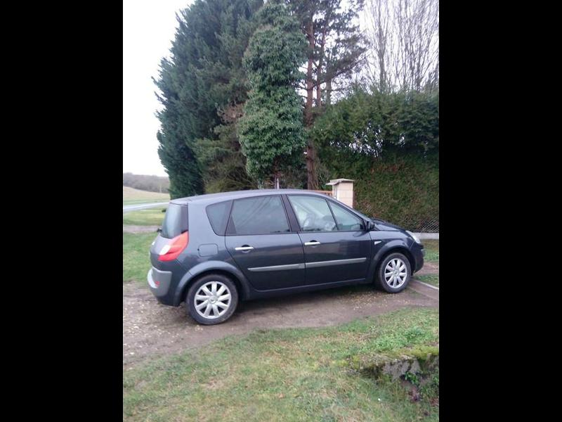 RENAULT Scenic 1.5 dCi 105ch Authentique eco²