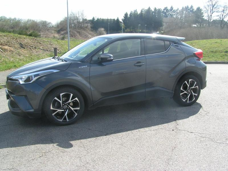 TOYOTA C-HR 122h Collection 2WD E-CVT RC18